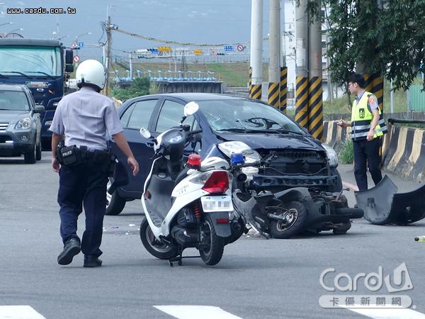 轉彎車未禮讓直行車先行,縱使轉彎車被撞上,鑑定發生的因果關係,仍須負擔主要肇責(圖/卡優新聞網)