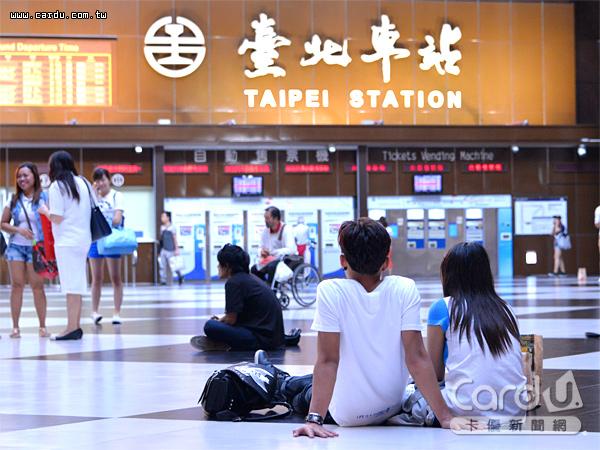 「六鐵共構」的台北車站如大迷宮,將啟動5項智慧化服務,第1階段8月世大運前試營運(圖/卡優新聞網)