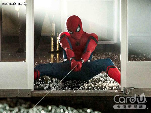 第3代蜘蛛人終於登場,與復仇者聯盟搭上線,彼得帕克想做大事努力地解決紐約市犯罪(圖/博偉 提供)
