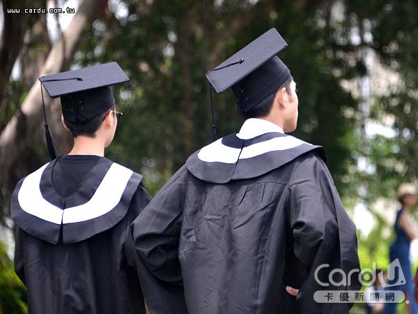 正值畢業生踏入社會求職,卻因美中貿易戰干擾,影響企業第3季徵才意願下降5個百分點(圖/卡優新聞網)