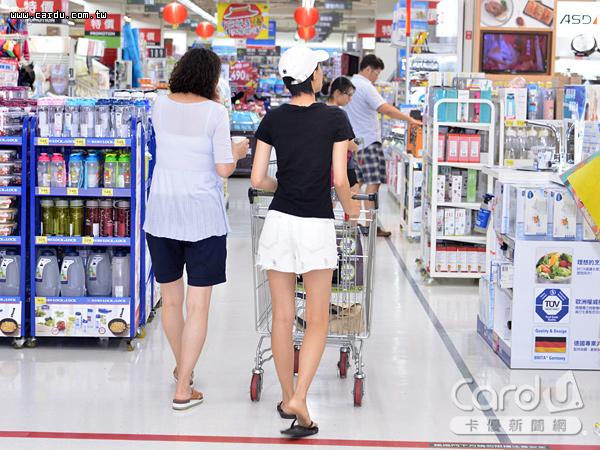 台灣經濟氣候指標續為負值,大幅下降9.1點,整體經濟、民間消費現況評估續呈「壞」(圖/卡優新聞網)