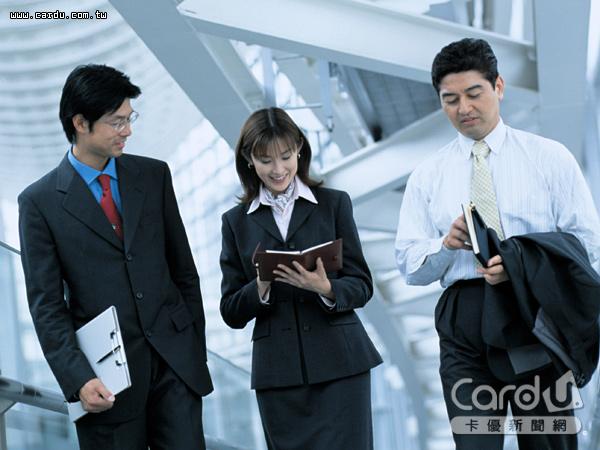 就業市場好轉,9成4上班族有意轉職,與景氣回溫、一例一休有關,求職人數較去年大增(圖/卡優新聞網)